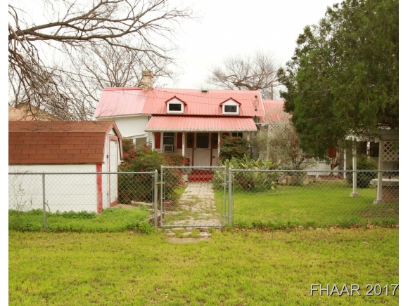 Photo of 505 12 S Main Street  Lampasas  TX