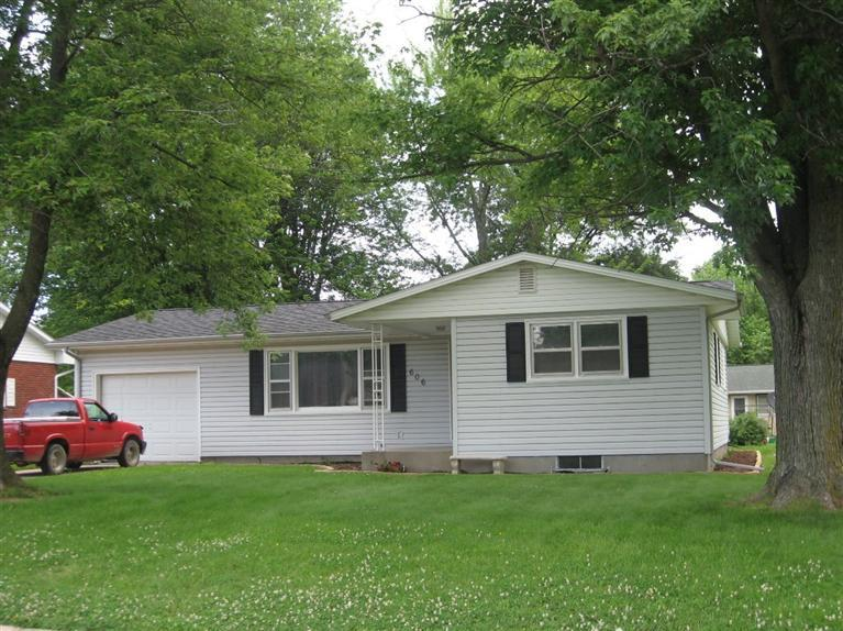 606 Bel Air Dr, West Point, IA 52656