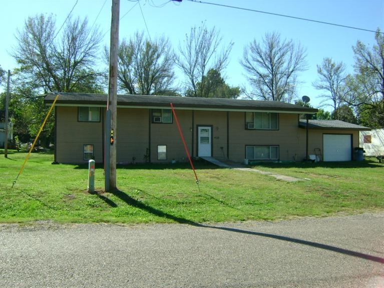 408 Tremont St, Farmington, IA 52626