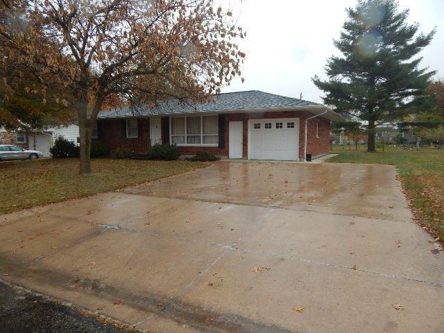 609 Bel Air Dr, West Point, IA 52656