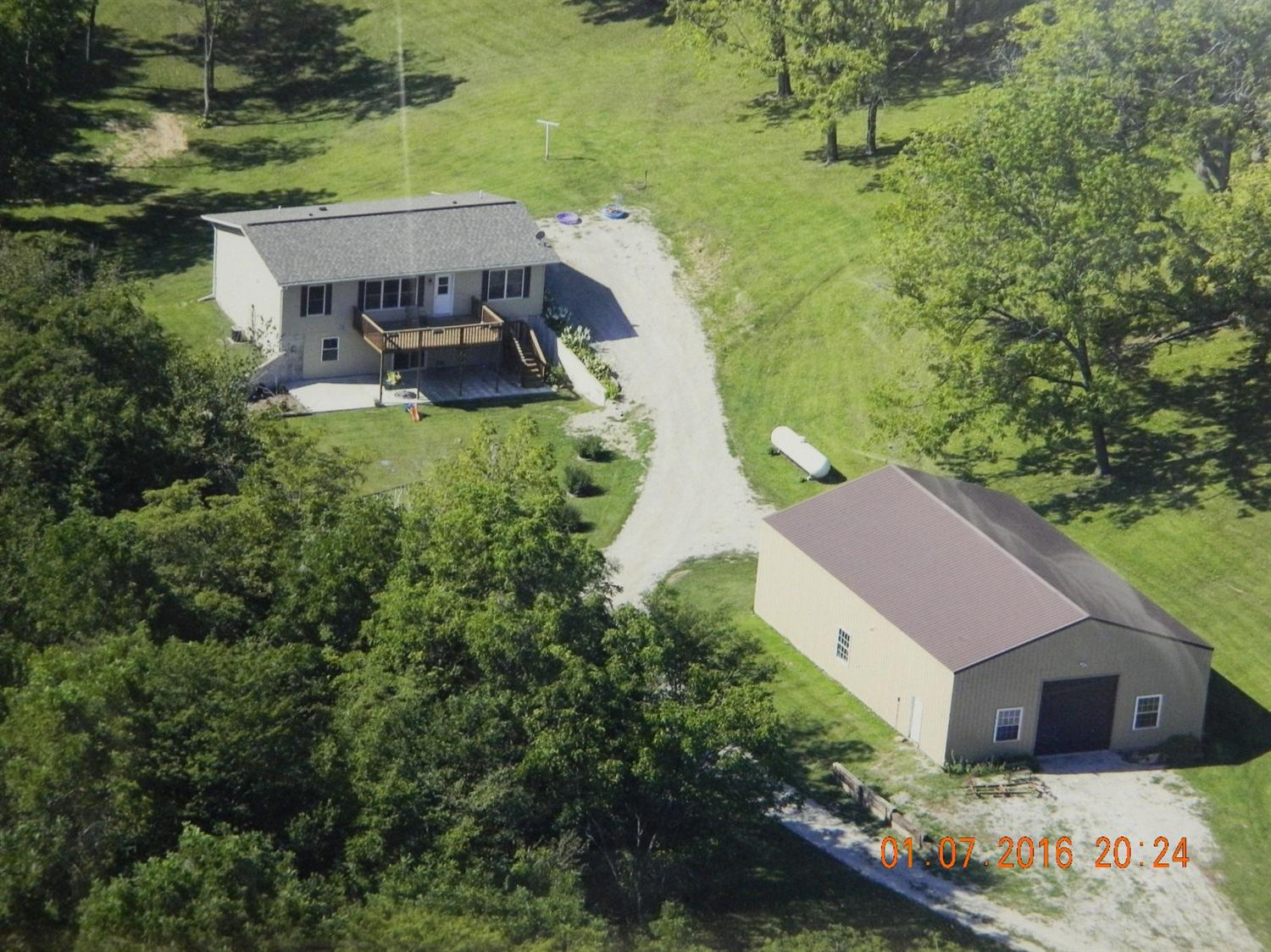 24529 Eagle Dr, Bonaparte, IA 52620