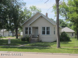 Photo of 401 8th Street  Morris  MN