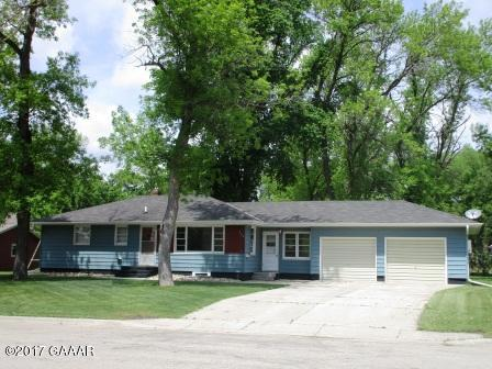 Photo of 504 8th Street  Morris  MN