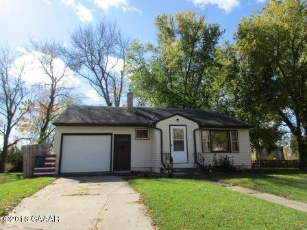 Photo of 605 8th Street  Morris  MN