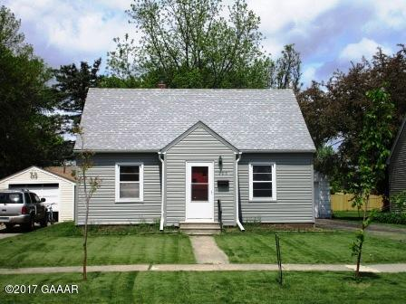 Photo of 406 11th Street  Morris  MN