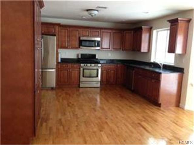 Rental Homes for Rent, ListingId:27621428, location: 7 TOLLHOUSE Court Newburgh 12550