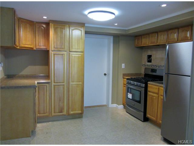 Rental Homes for Rent, ListingId:27697058, location: 15 Forest Glen Road Nyack 10960