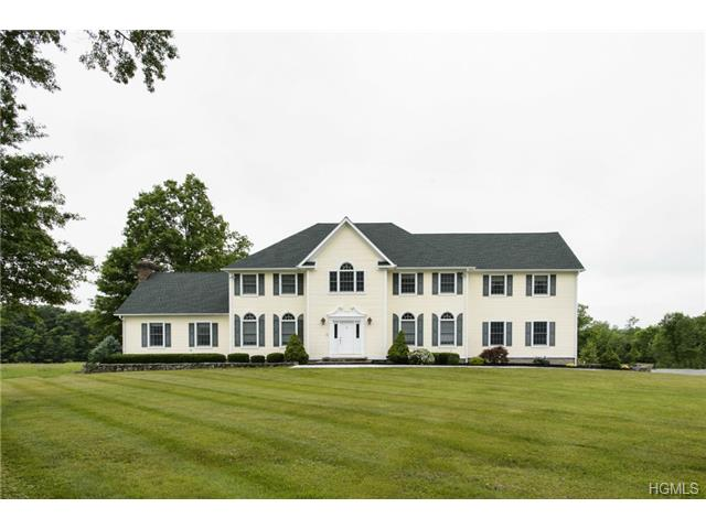 30 Fox Hollow Dr, Blooming Grove, NY 10914