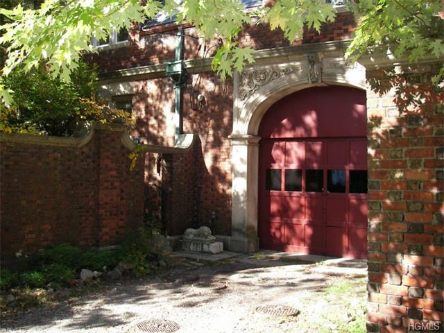 Rental Homes for Rent, ListingId:29479821, location: 72 Circuit Road Tuxedo Park 10987