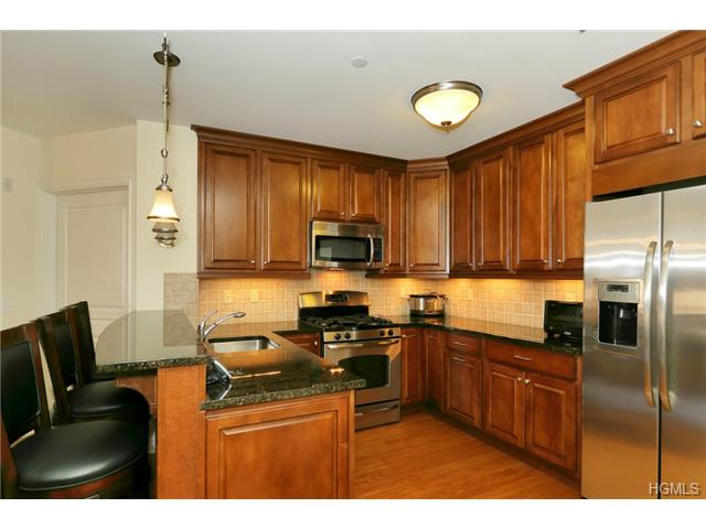 Rental Homes for Rent, ListingId:29975789, location: 101 Sheldrake Place Mamaroneck 10543