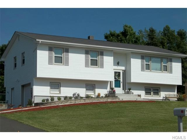 11 Prides Crossing Rd, Blooming Grove, NY 10992