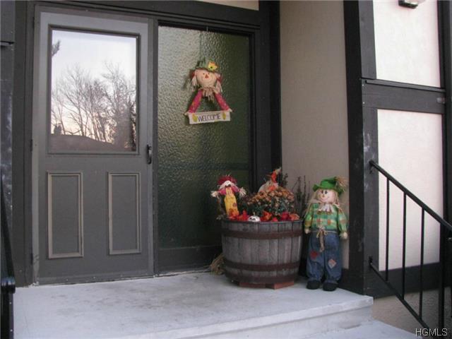 Rental Homes for Rent, ListingId:30744590, location: 926 Sierra Vista Lane Valley Cottage 10989