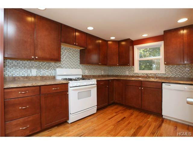 Rental Homes for Rent, ListingId:31122304, location: 77 East Village Road Tuxedo Park 10987