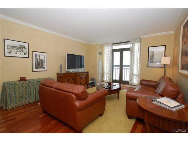 Rental Homes for Rent, ListingId:31354997, location: 10 City Place White Plains 10601