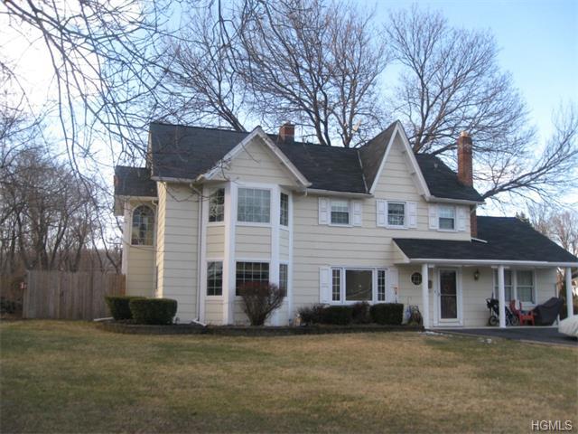 Rental Homes for Rent, ListingId:31372748, location: 45 Clintonwood Drive New Windsor 12553