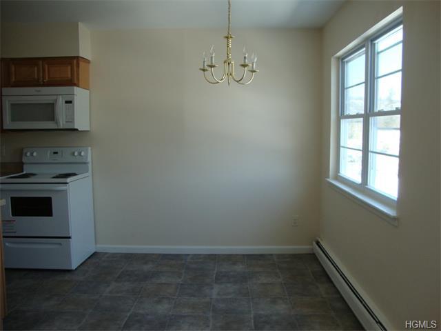 Rental Homes for Rent, ListingId:31372818, location: 35 Cedar New Windsor 12553