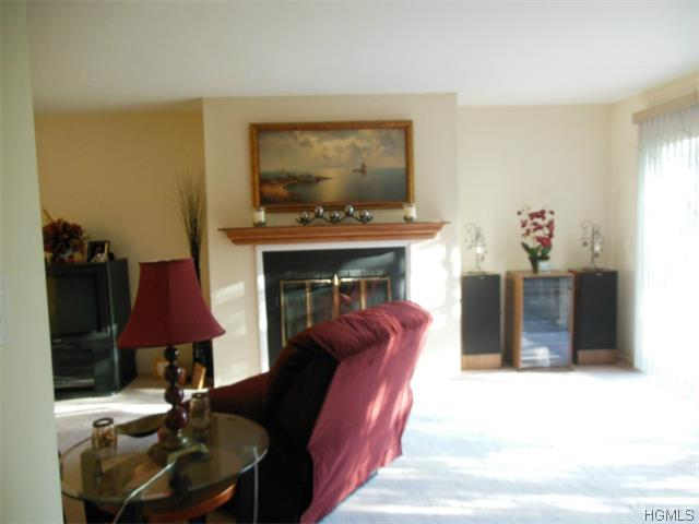 Rental Homes for Rent, ListingId:31922186, location: 204 Town Hill Road Nanuet 10954