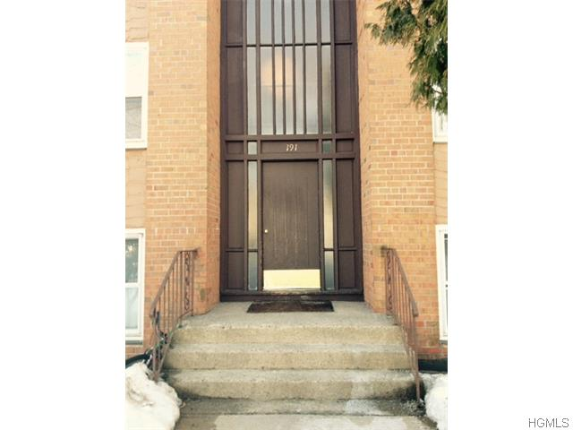 Rental Homes for Rent, ListingId:32036676, location: 191 Kearsing Parkway Monsey 10952