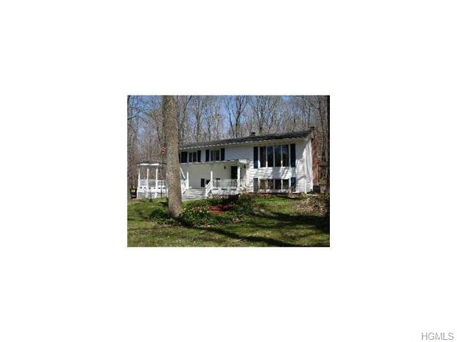 20 Heard Rd, Blooming Grove, NY 10914