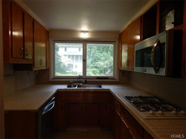 Rental Homes for Rent, ListingId:33044620, location: 32 Terrace Drive Nyack 10960