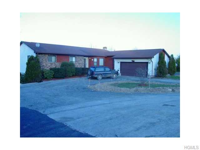 Rental Homes for Rent, ListingId:33456432, location: 32 Sherwood Drive Wallkill 12589