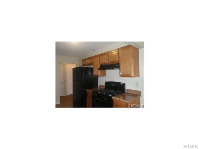 Rental Homes for Rent, ListingId:34164720, location: 123 New Holland Village Bldg 10 Nanuet 10954