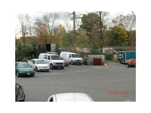 11 Pine View Rd, West Nyack, NY 10994
