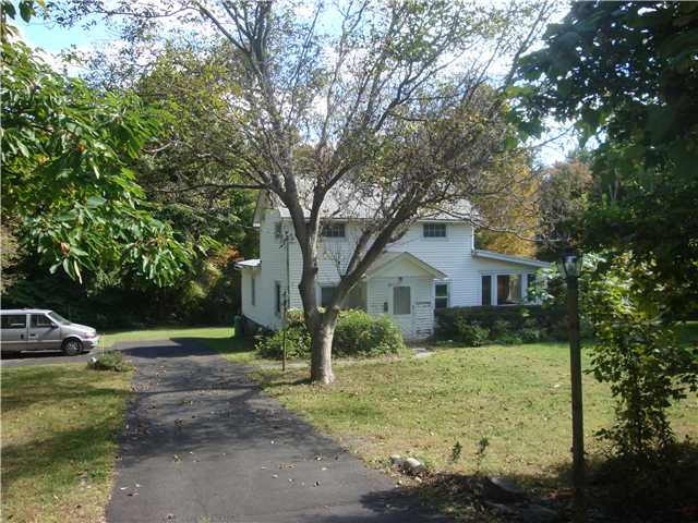 Mountain View Ave, Wallkill, NY 12589