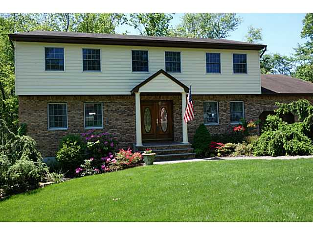 Real Estate for Sale, ListingId: 22553687, Valley Cottage, NY  10989