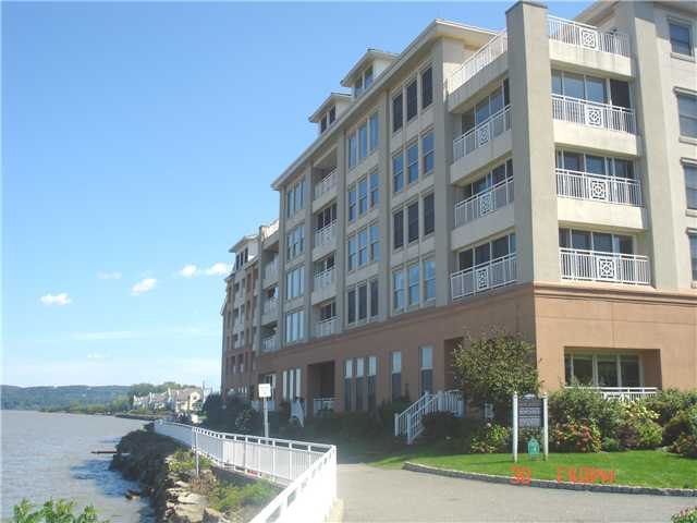 Rental Homes for Rent, ListingId:22726185, location: 316 HARBOR COVE Piermont 10968