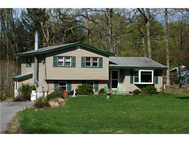 4 Cardinal Dr, Washingtonville, NY 10992