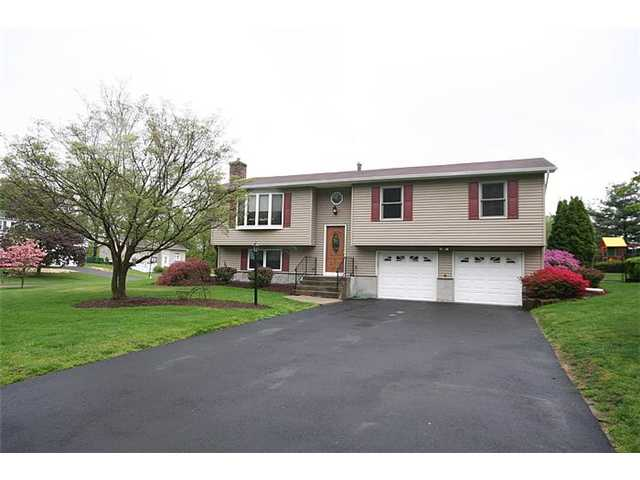 22 Creamery Dr, New Windsor, NY 12553