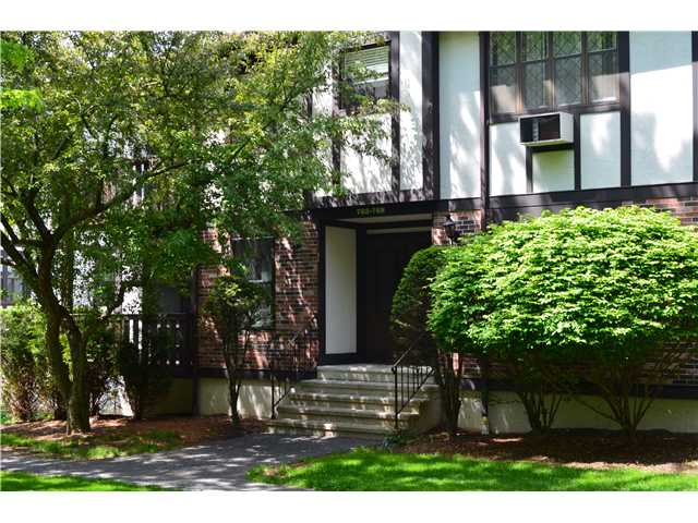 763 Sierra Vista Ln, Valley Cottage, NY 10989