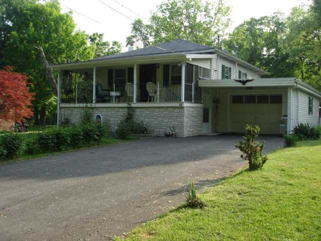 14 Gerow Ln, New Windsor, NY 12553