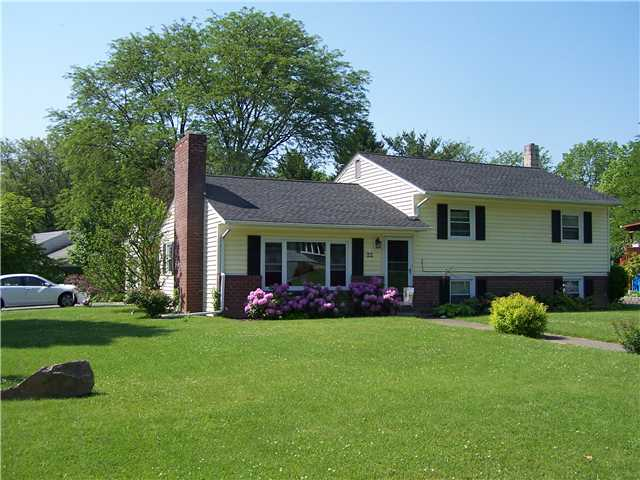 22 Hudson Dr, New Windsor, NY 12553