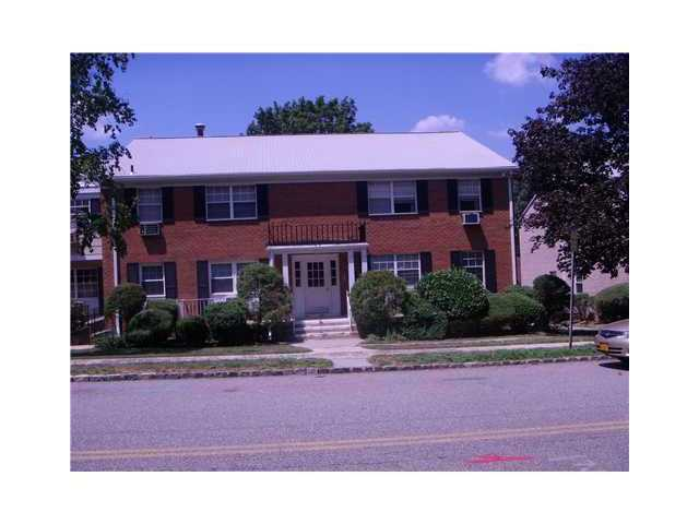 Rental Homes for Rent, ListingId:23883588, location: 314 Parkside Drive Suffern 10901