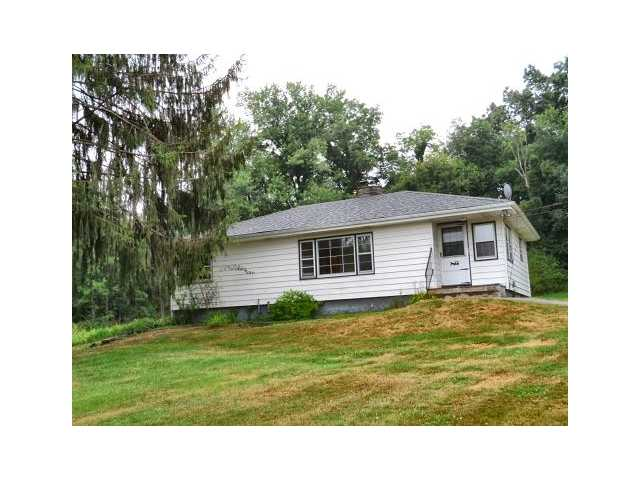 Rental Homes for Rent, ListingId:24575640, location: 105 Lake Road Salisbury Mills 12577