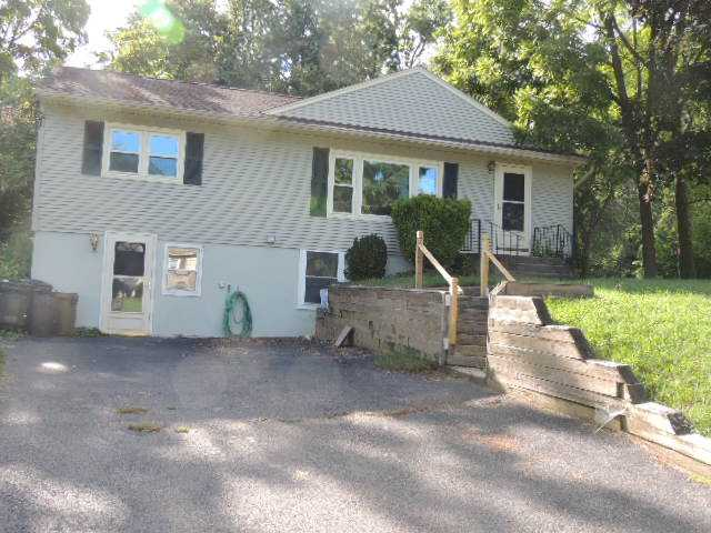 41 Harth Dr, New Windsor, NY 12553