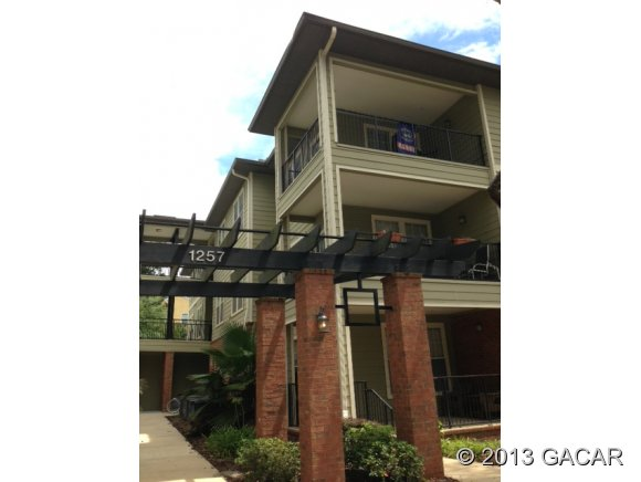 Rental Homes for Rent, ListingId:24637279, location: 1257 SW 9th Road Gainesville 32601