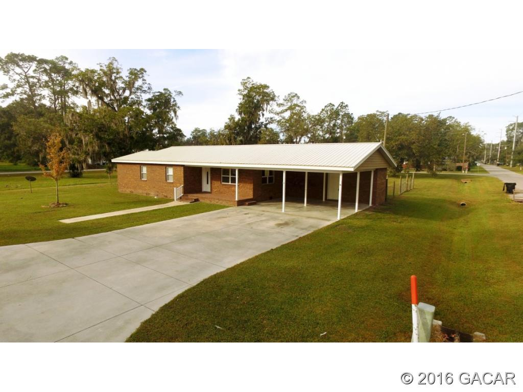 Photo of 420 SW 2nd Avenue  Lake Butler  FL