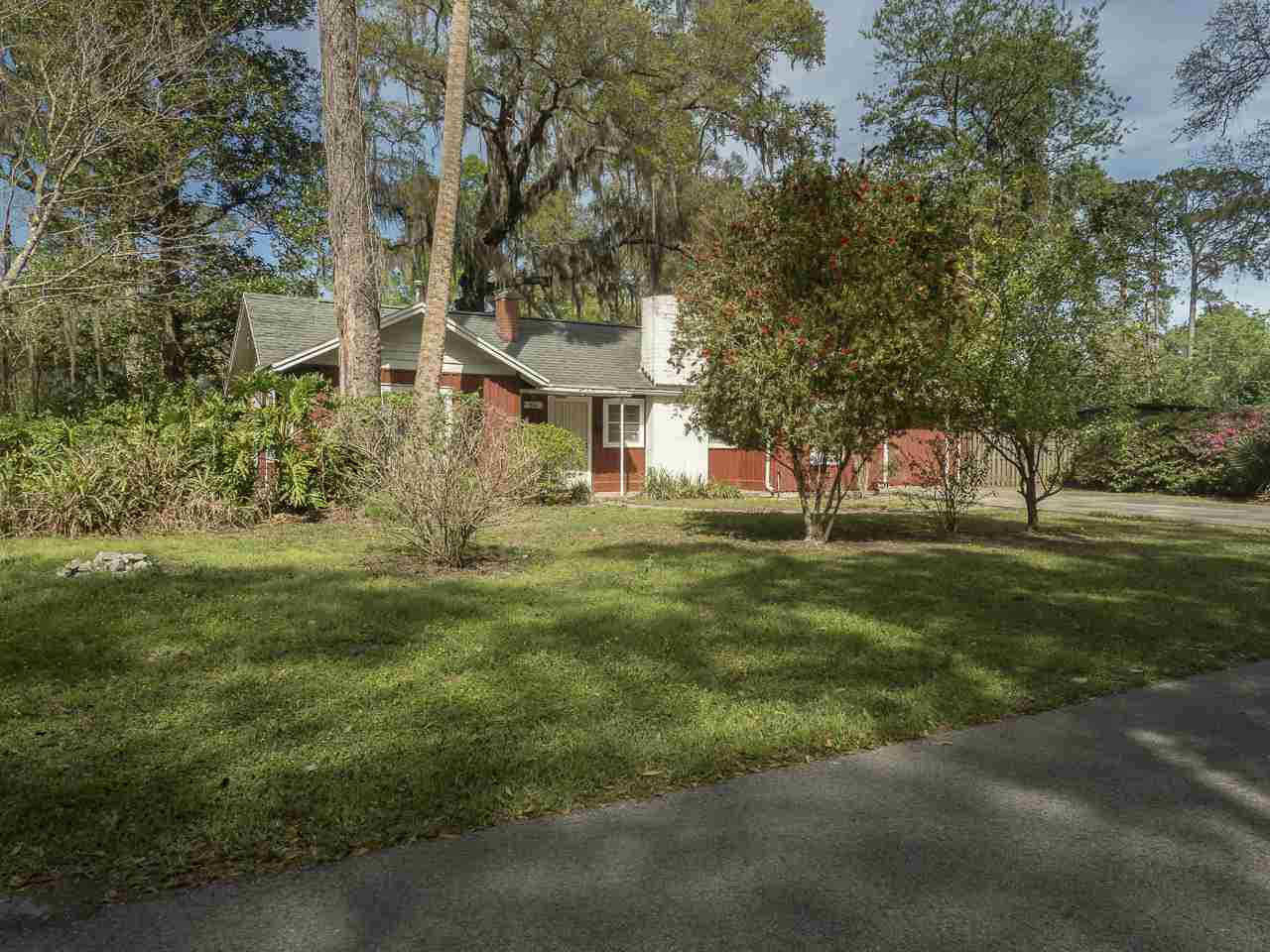 Photo of 806 NE 9 Avenue  Gainesville  FL