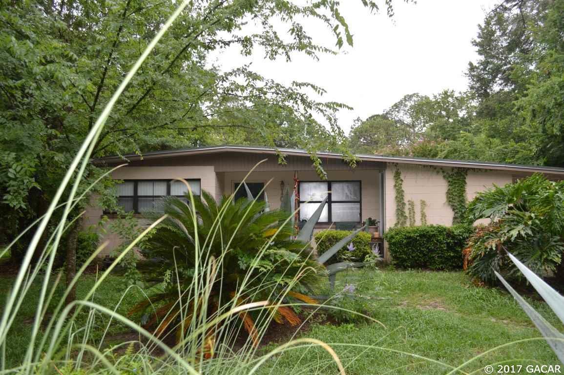 Photo of 1011 NE 20 Place  Gainesville  FL