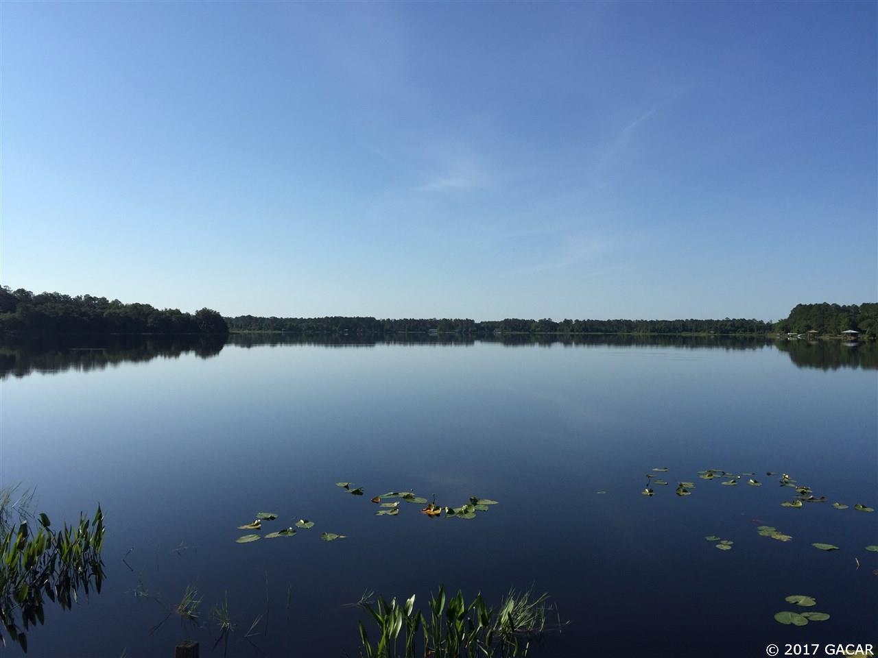 100 S STAR LAKE Drive Hawthorne, FL 32640