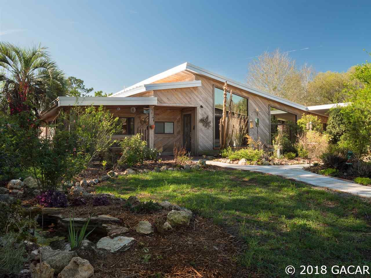 Water softener homes for sale in newberry real estate in for Florida modern homes