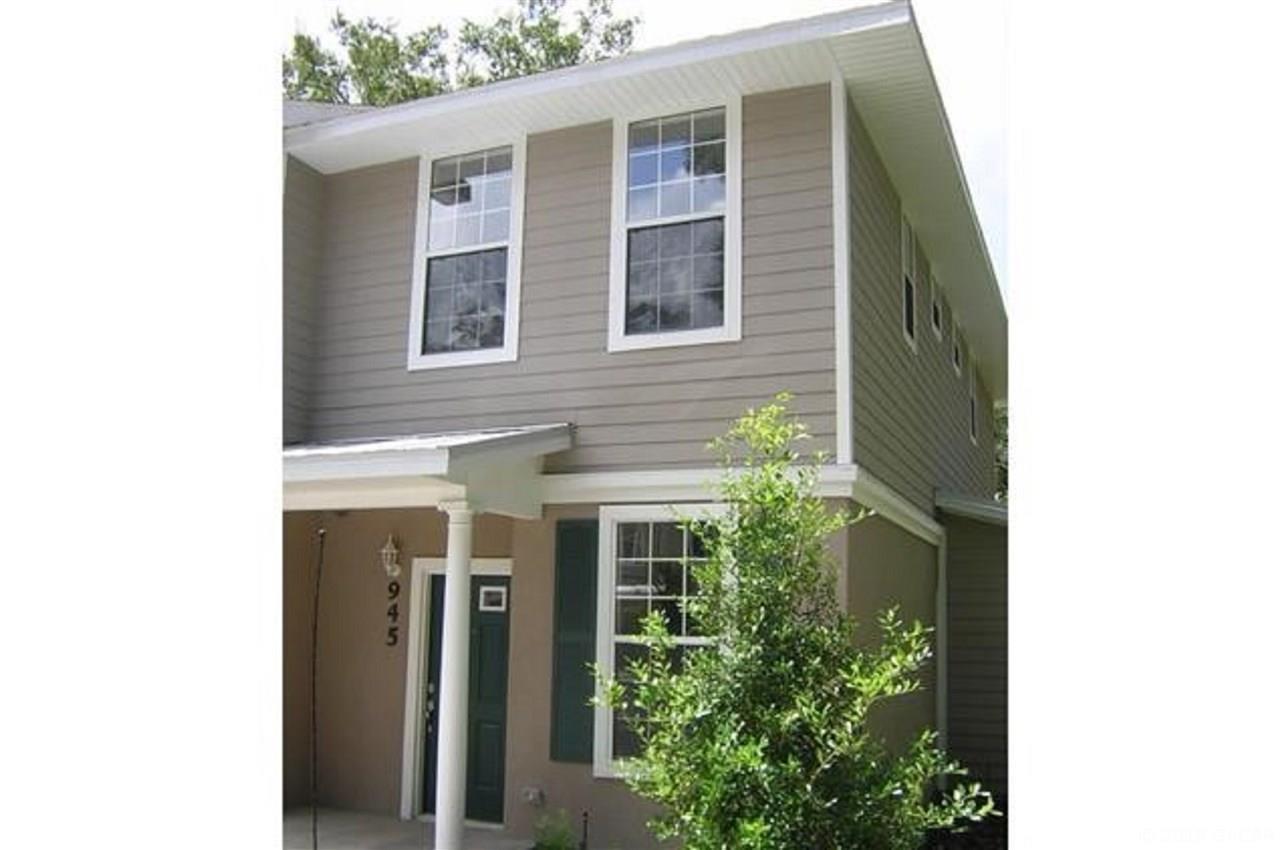 945 NW 21 Street, Alachua, Florida