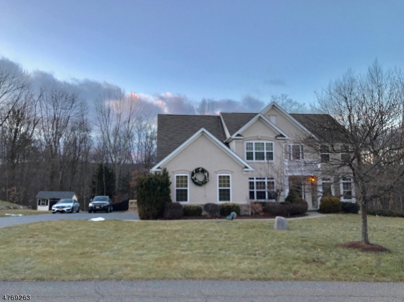 10 Eileen Dr Wantage Township, NJ 07461