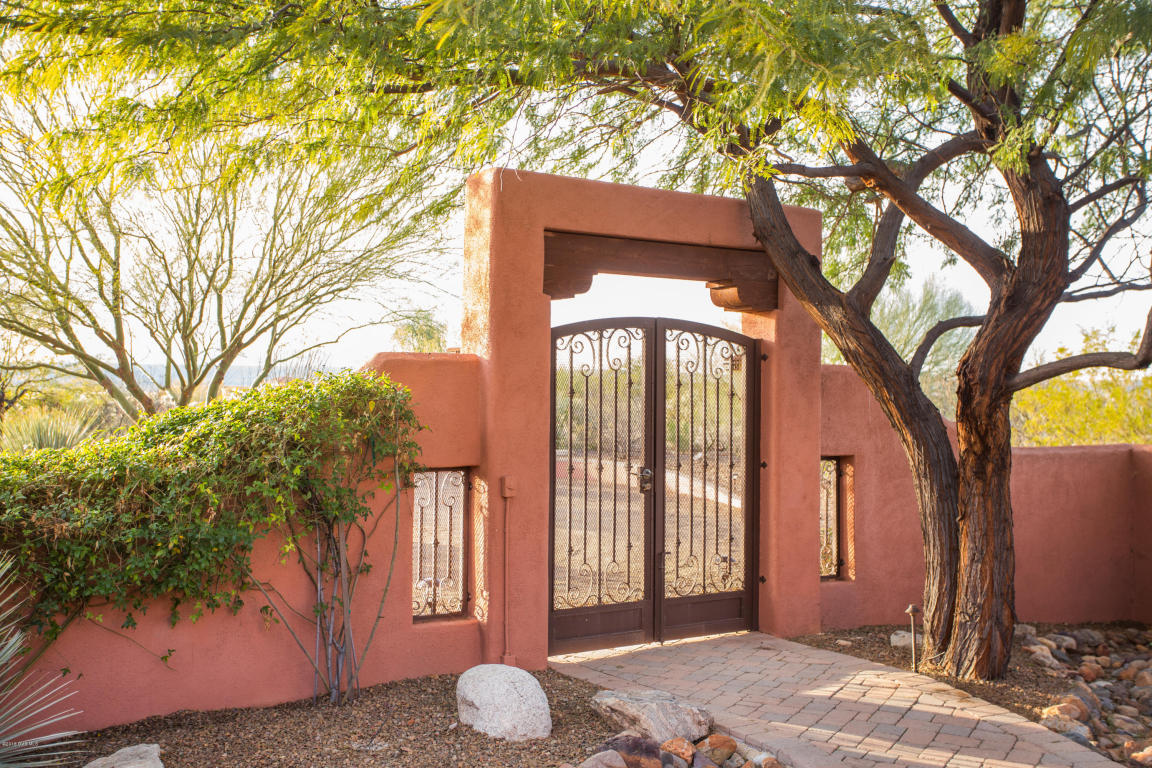 Single Family Home for Sale, ListingId:37037932, location: 736 E Canyon Rock Green Valley 85614