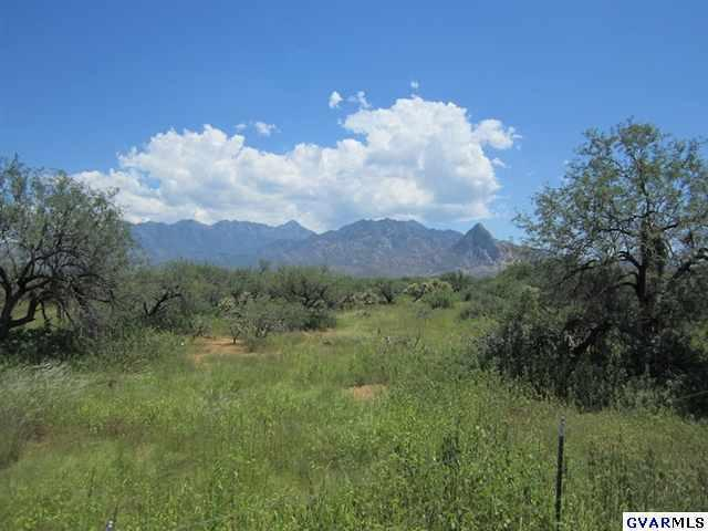 657 W Hawk Way, Amado, AZ 85645