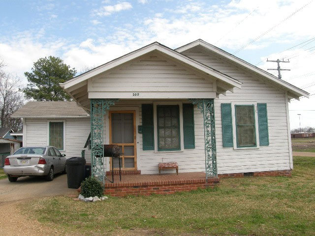 Photo of 309 6th Street  Greenwood  MS