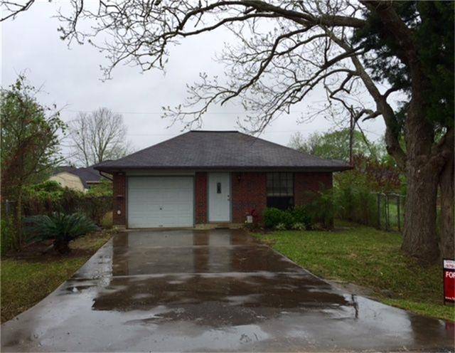 Photo of 127 County Road 490  Brazoria  TX